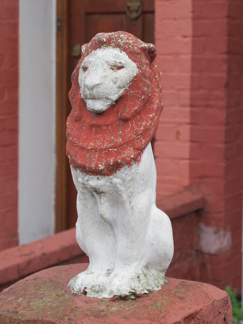 Scary lion, Redfern Road, NW10