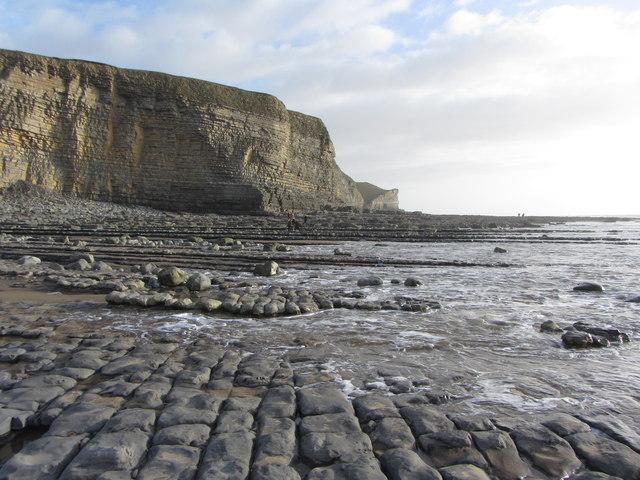Cliffs and rocks at Traeth Mawr