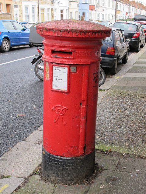 Victorian postbox, Redfern Road / Glynfield Road, NW10