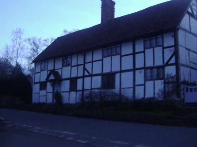Tudor cottages, Sutton Abinger