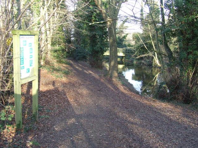 Darent Valley Path near Lullingstone
