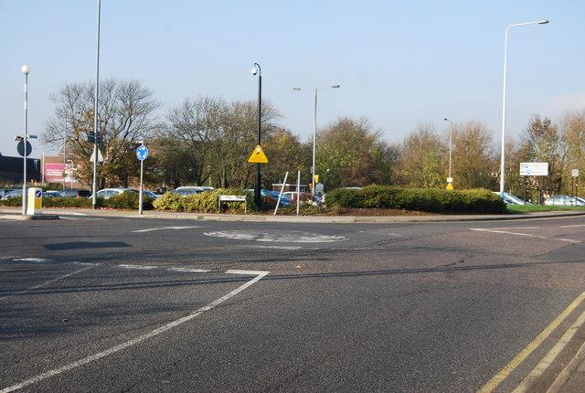 Roundabout, Avenue Le Puy