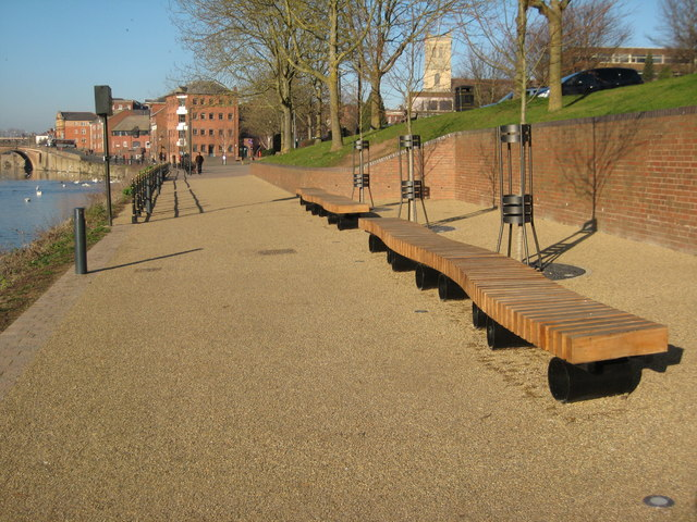 New benches on Kleve Walk