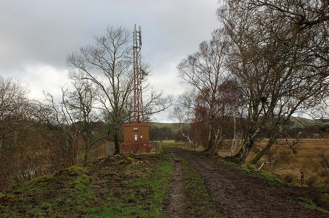 Communications mast near Dreva