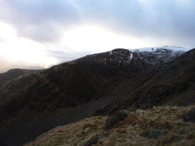 Looking towards Raven Crag on the ascent to Red Screes