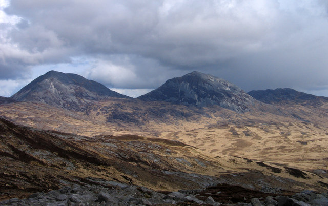 Gentle rocky slope east of Glas Bheinn