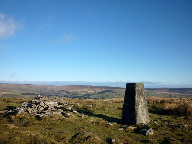 The summit of Harter Fell (481m)