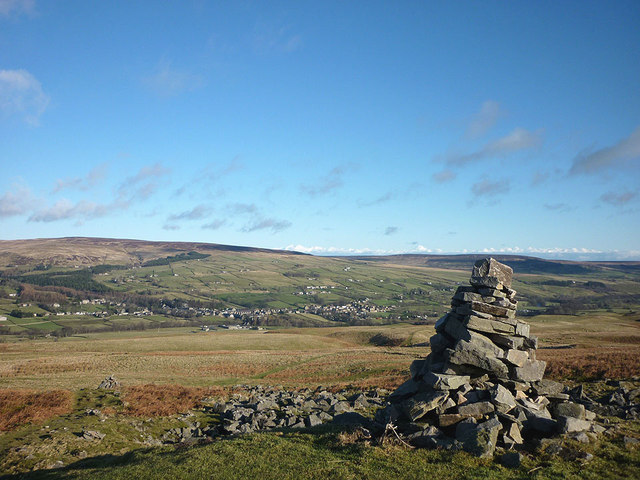 Marker cairn above Middleton-in-Teesdale on the Pennine Way