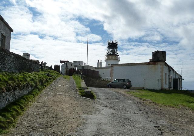Sumburgh Head - Lighthouse and foghorn