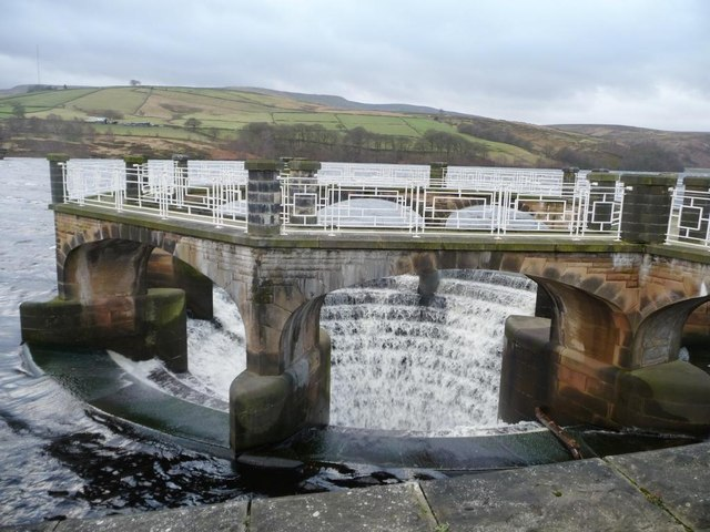 Overflow overflowing, Digley Reservoir