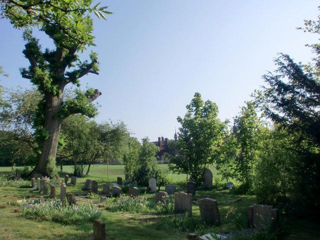 Churchyard, Church of St Mary and St Thomas, Knebworth