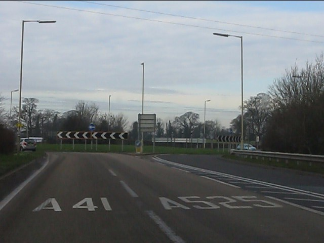 Choice of routes at the Whitchurch bypass