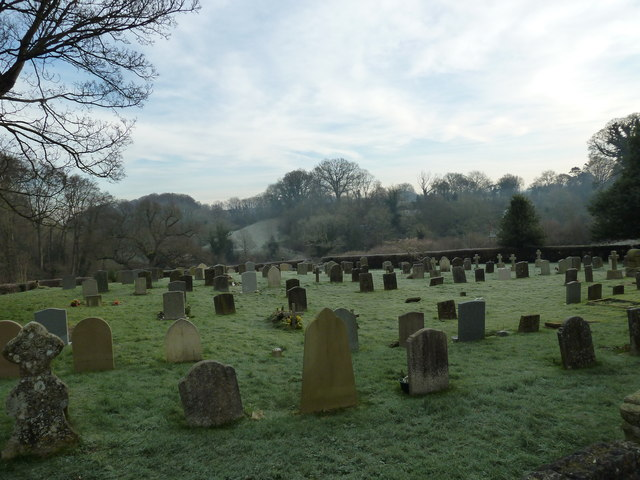 Selborne churchyard on a chilly January morning (c)