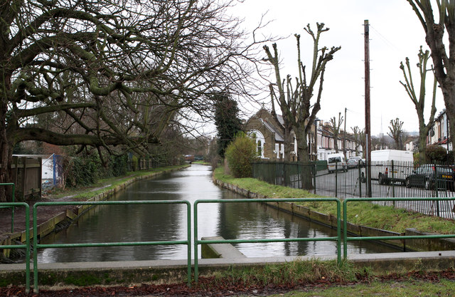 The New River and Russell Road