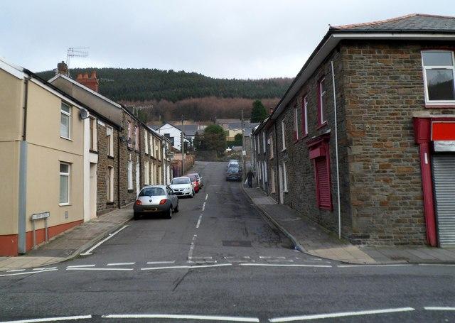 Mary Street, Pen-yr-englyn