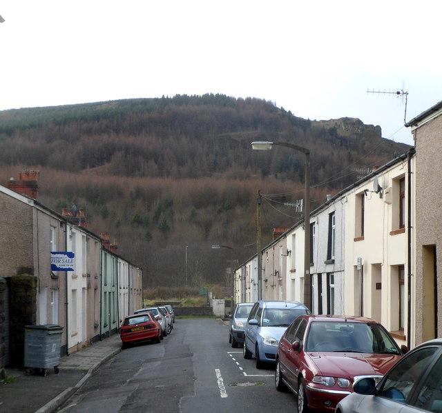 Hillside view along George Street, Pen-yr-englyn