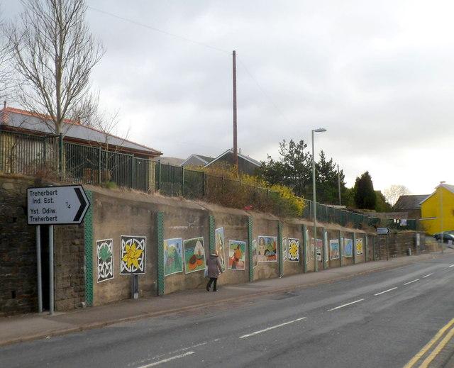 Pen-yr-englyn murals