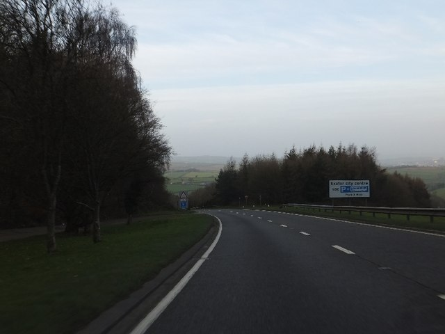 The northbound carriageway of A380 descending Telegraph Hill