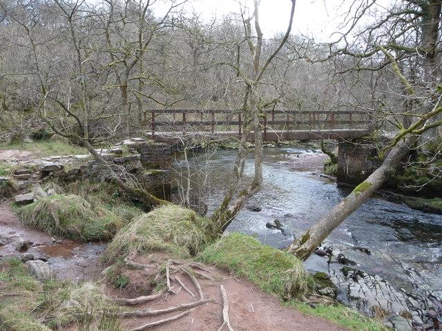 Footbridge over the Afon Mellte