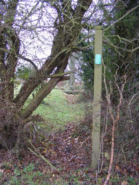 Footpath to Heveningham Long Lane
