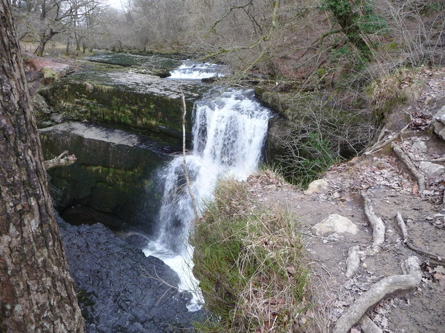 Part of the viewing area above Sgwd Clun-gwyn waterfall