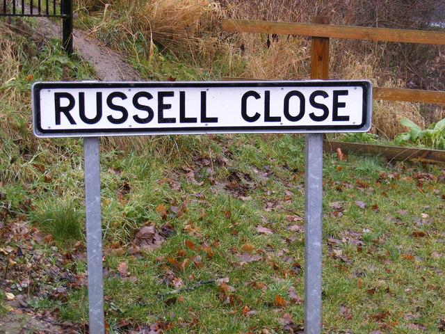 Russell Close sign