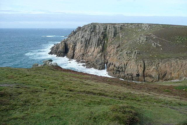 Towards Porth Loe