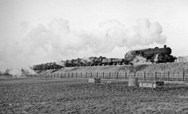 Eastbound freight on Helsby - Mouldsworth loop, Cheshire Lines