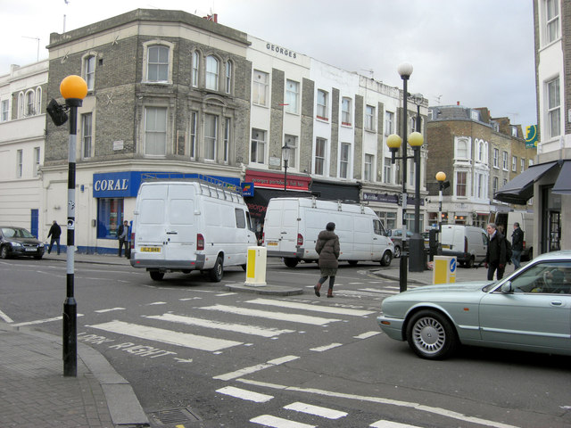 Zebra crossing at junction of St Lawrence Terrace and Chesterton Road