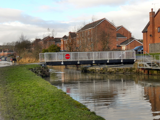 Leeds and Liverpool Canal, Finch Mill Swing Bridge
