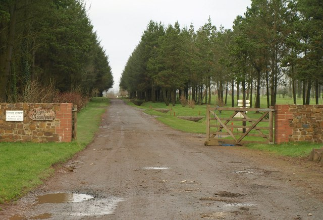 Entrance to Kigbeare Manor Farm