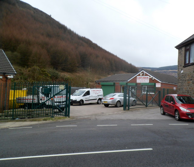 H. Hunt & Sons Ltd Tynewydd