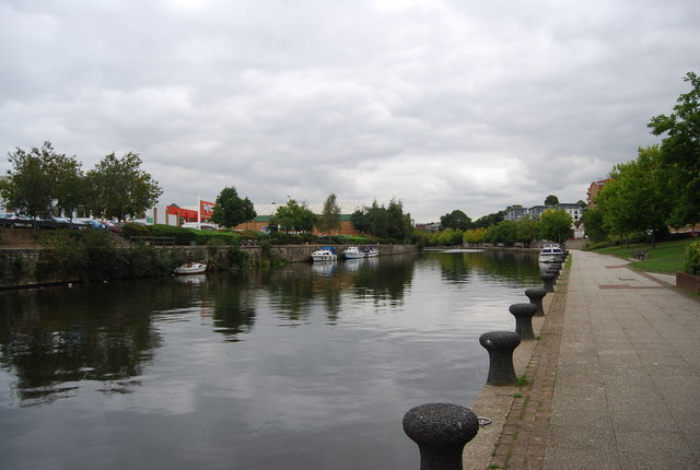Mooring posts, River Medway