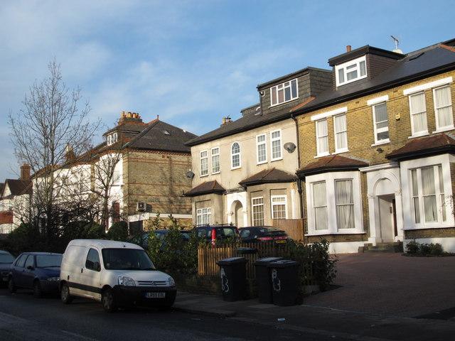 Finchley Lane, NW4 (2)