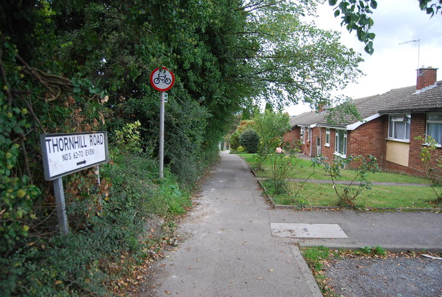Footpath at the end of Thornhill Rd