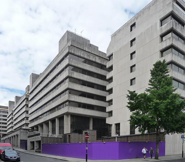 Arundel Great Court, Surrey Street