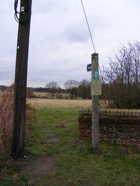 Footpath to Bridge Farm & B1119