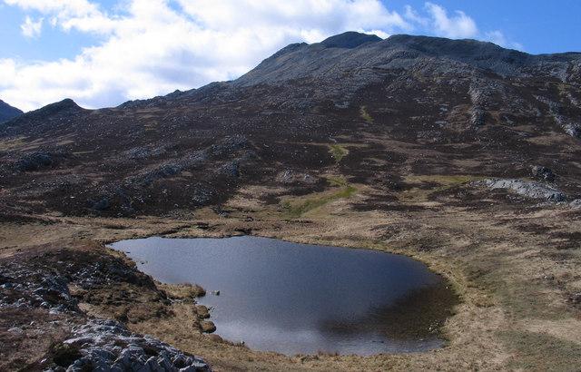 Lochan at Bealach Bhriste Cnaimhe