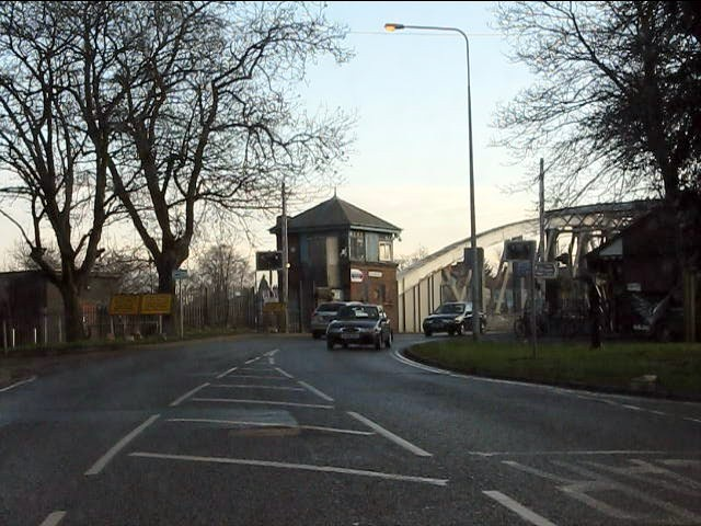 Knutsford Road swing bridge