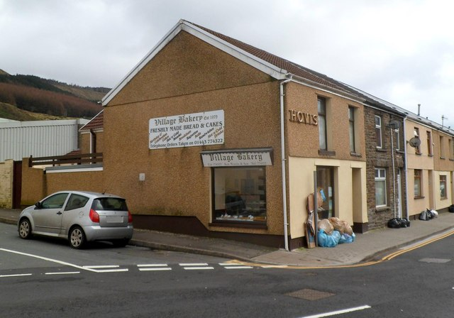 Village Bakery, Tynewydd