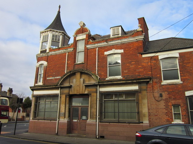 A former Hull Savings Bank? #1