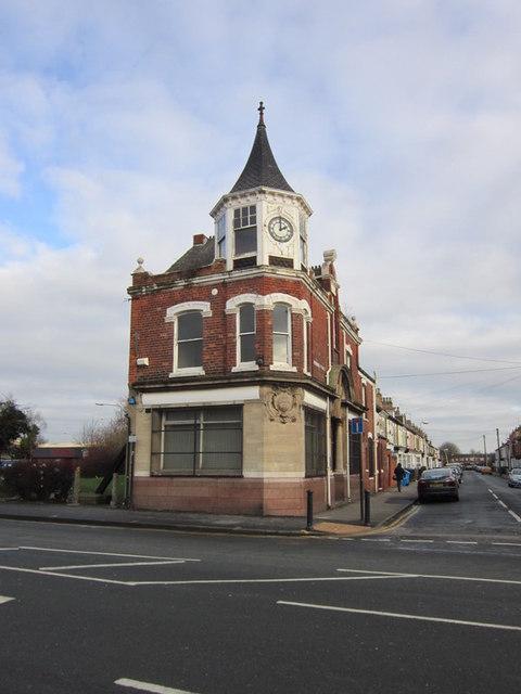 A former Hull Savings Bank? #2