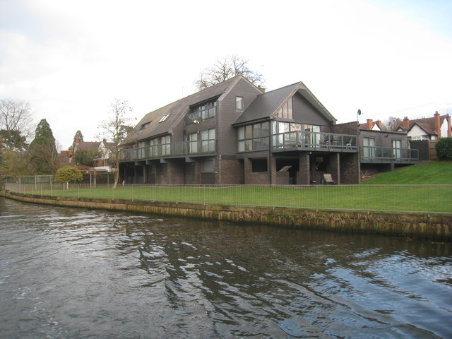 Houses by the River Avon (5)