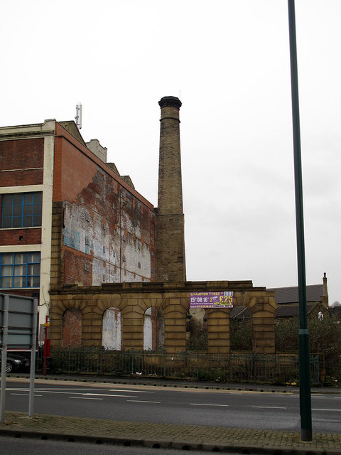Old mill chimney on Leeds Road