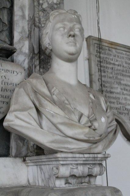 Elizabeth Heneage, Sir Geo Henegae memorial