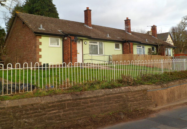Mallybrook Bungalows, Welsh Newton