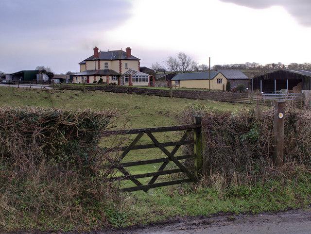 Ty'n-y-coed Farmhouse