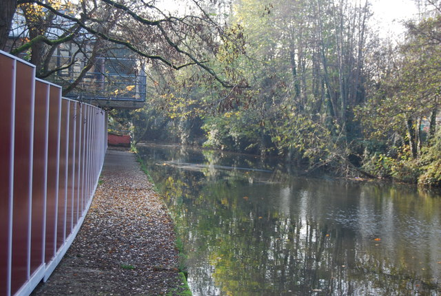 Footpath by the River Medway