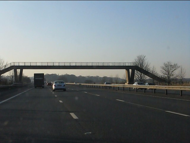M62 motorway - Home Farm footbridge
