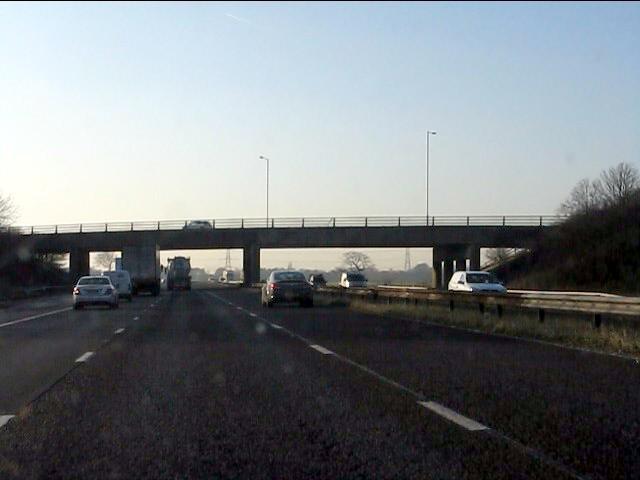 M62 motorway - Jubits Lane overbridge (B5419)